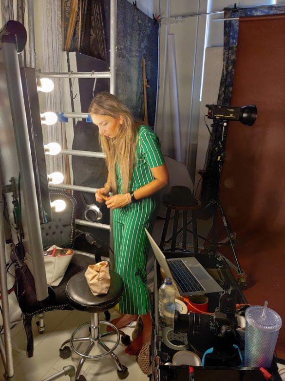 envii jumpsuit green groen make-up shoot